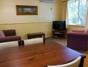 View Hill Holiday Units - Accommodation Find