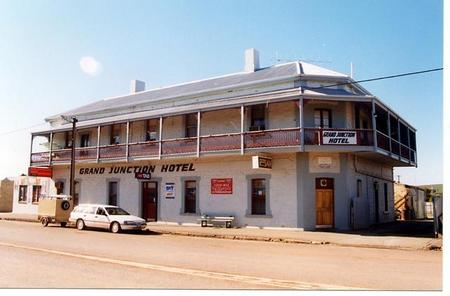 Grand Junction Hotel - Accommodation Find