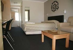 Queensgate Motel - Accommodation Find