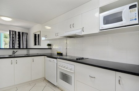 White Crest Luxury Apartments - Accommodation Find