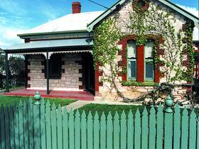 Naracoorte Cottages - Smith Street Villa - Accommodation Find