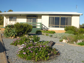 Oaklands Beach House - Accommodation Find