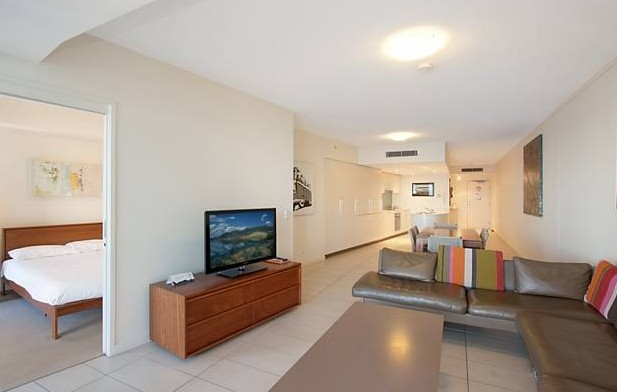 Grand Mercure Apartments Coolangatta - Accommodation Find