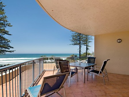 Coolum Baywatch Resort - Accommodation Find