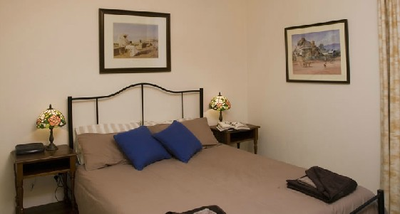Hillsview Tourist Apartments - Accommodation Find
