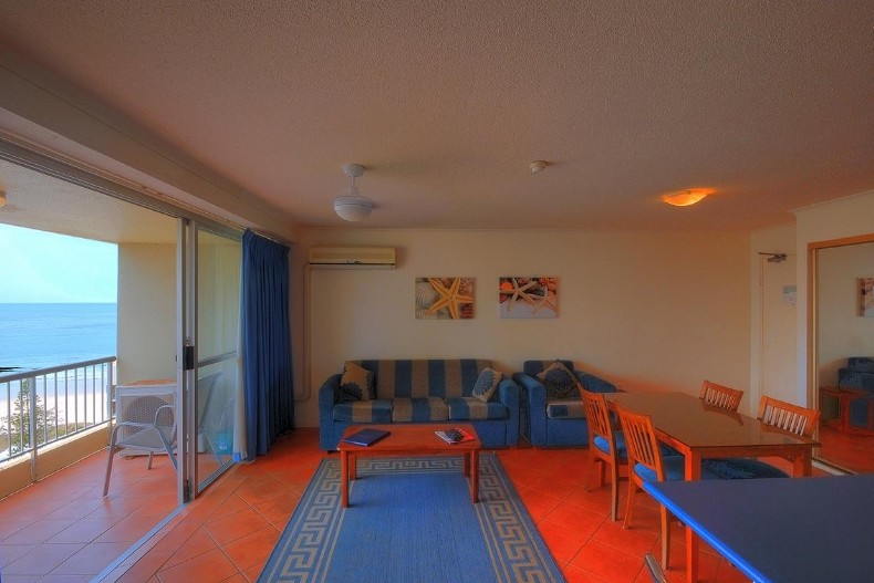 Surfers Beachside Holiday Apartments - Accommodation Find