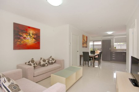 Hello Adelaide Motel + Apartments - Accommodation Find