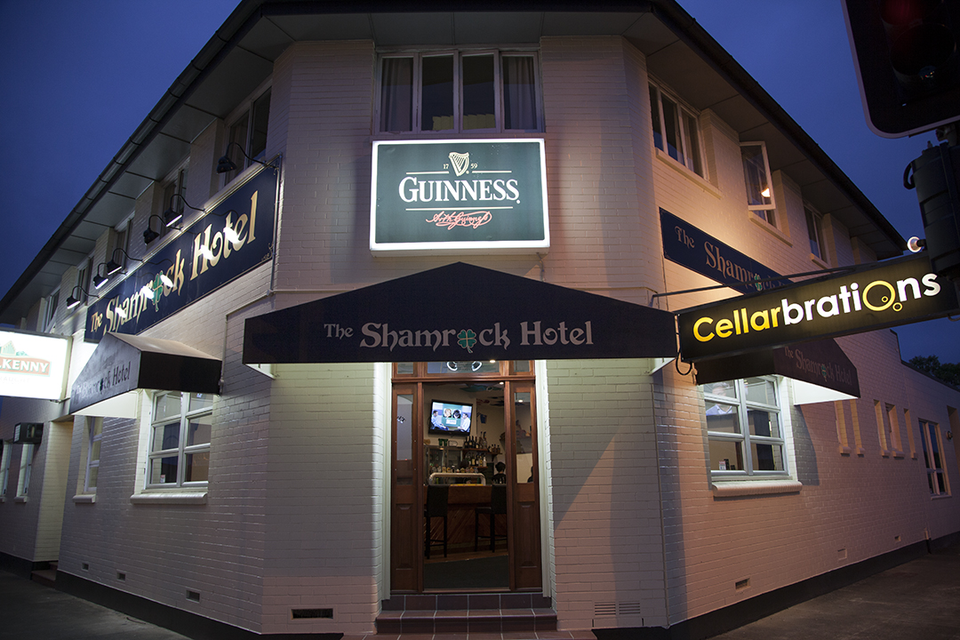Shamrock Hotel - Accommodation Find