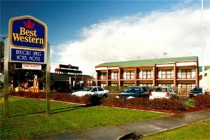 Taylors Lakes Hotel - Accommodation Find