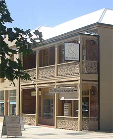 Cobb  Co Court Boutique Hotel - Accommodation Find