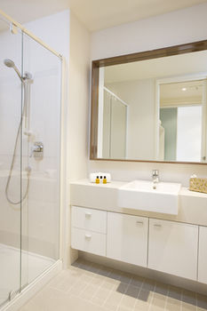 Melbourne Short Stay Apartments on Whiteman - Accommodation Find