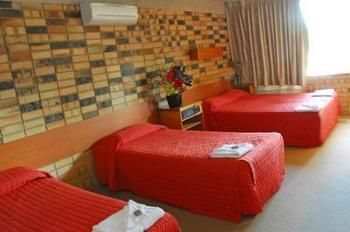 Palms Hotel Motel Chullora - Accommodation Find