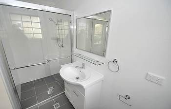 Balmain 4 Mont Furnished Apartment - Accommodation Find