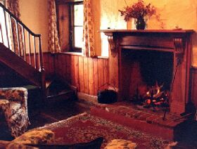 McCauley's Cottage - Hamilton Heritage Holiday Homes - Accommodation Find