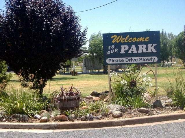 Country Club Caravan Park - Accommodation Find