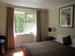 Forrest Hotel  Apartments - Accommodation Find