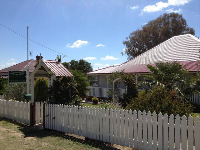 Tenterfield Luxury Historic c1895 Cottage - Accommodation Find