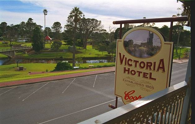 Victoria Hotel - Accommodation Find
