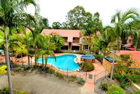 Beach Court Holiday Villas - Accommodation Find