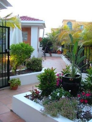 Shaz Maisons Beachside Holiday Apartments - Accommodation Find