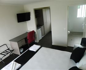 Dooleys Tavern and Motel Springsure - Accommodation Find