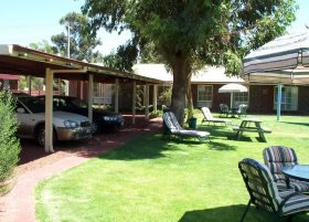 Carn Court Holiday Apartments - Accommodation Find