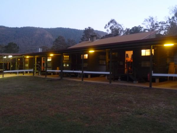 Christmas Creek Cafe and Cabins - Accommodation Find