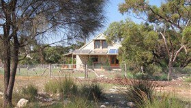 Broken Gum Country Retreat - Accommodation Find