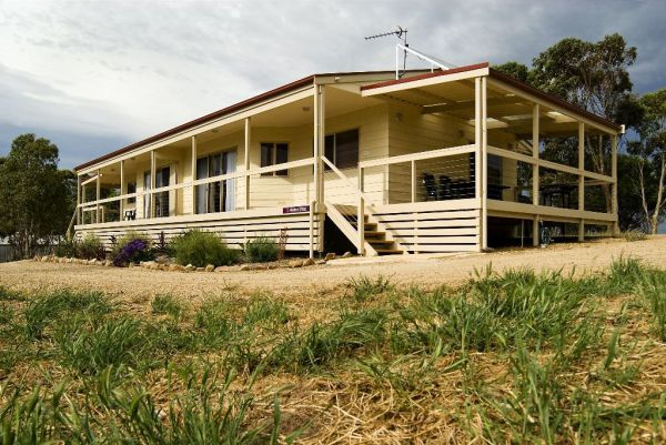 Allusion Cottages - Accommodation Find