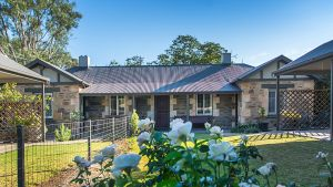 Stoneleigh Cottage Bed and Breakfast - Accommodation Find