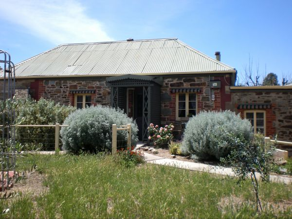 Olive Grove Retreat - Accommodation Find