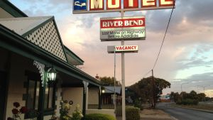 Motel Riverbend - Accommodation Find