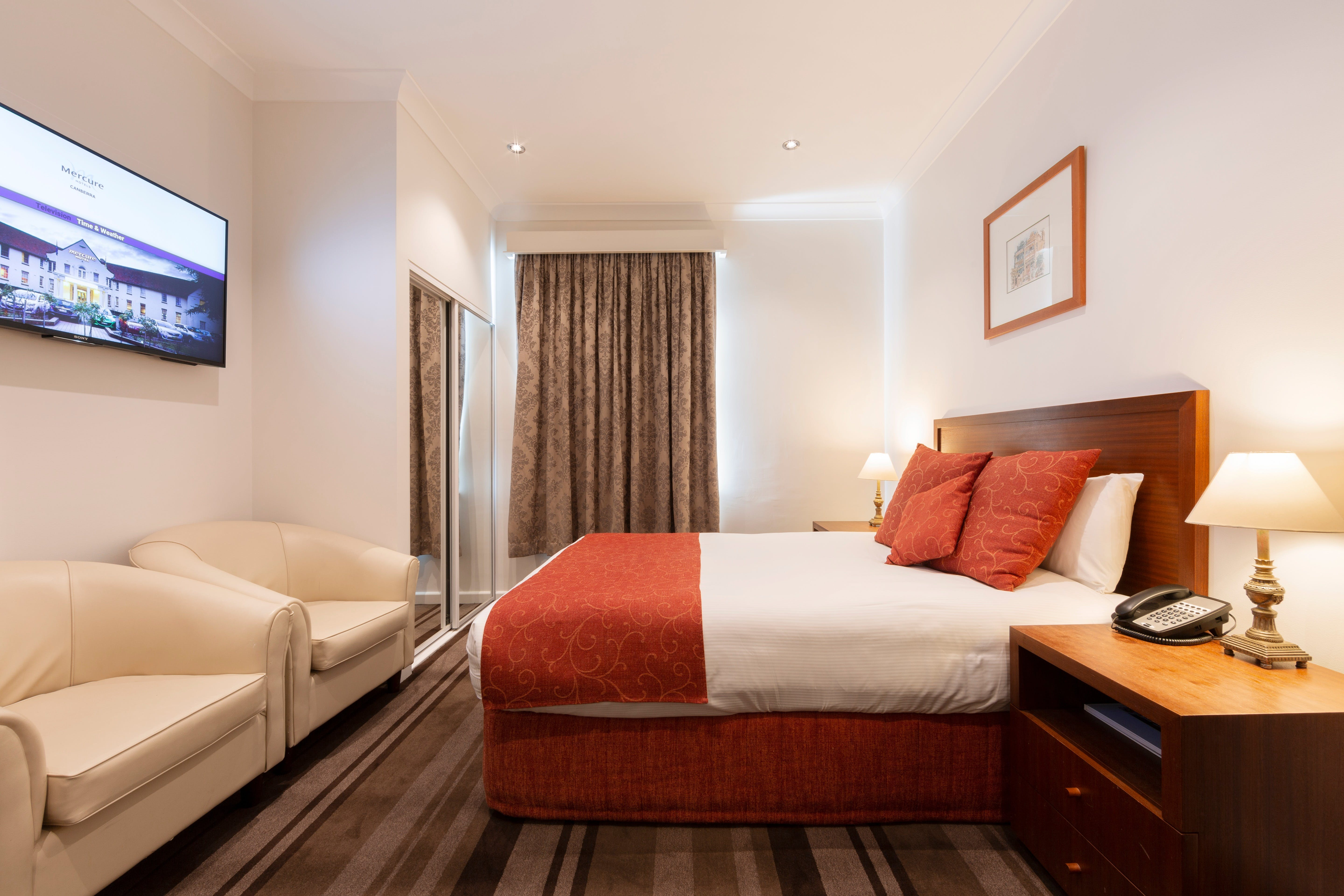 Mercure Canberra - Accommodation Find