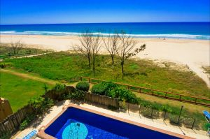 Pelican Sands Beach Resort - Accommodation Find