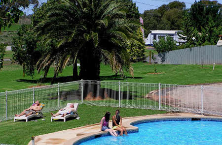 Swan Hill Holiday Park - Accommodation Find