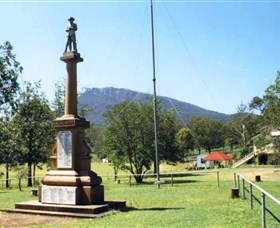 Maroon State School War Memorial - Accommodation Find