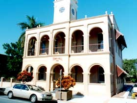 Mackay Town Hall - Accommodation Find
