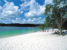 Lake McKenzie - Accommodation Find