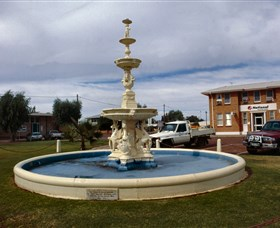 Cunnamulla War Memorial Fountain - Accommodation Find