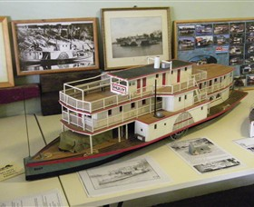 Wentworth Model Paddlesteamer Display - Accommodation Find