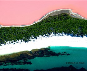 Lake Hillier - Accommodation Find