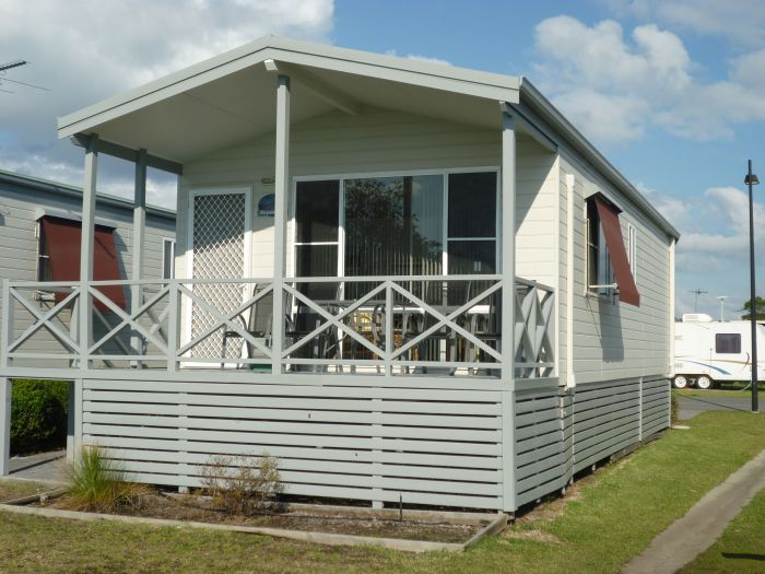 Belmont Pines Lakeside Holiday Park - Accommodation Find