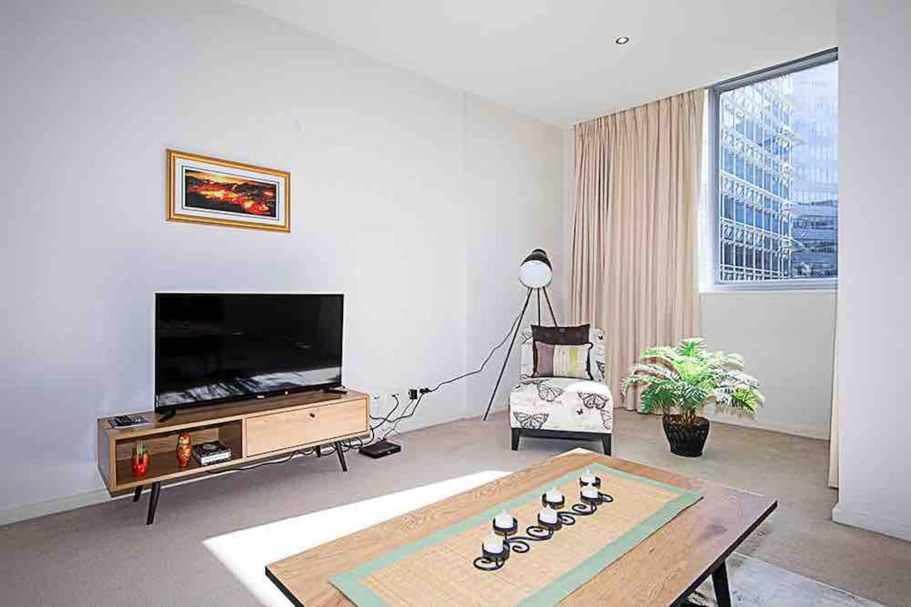 Spacious 1BR Stylish New Acton Apartment Parking - Accommodation Find