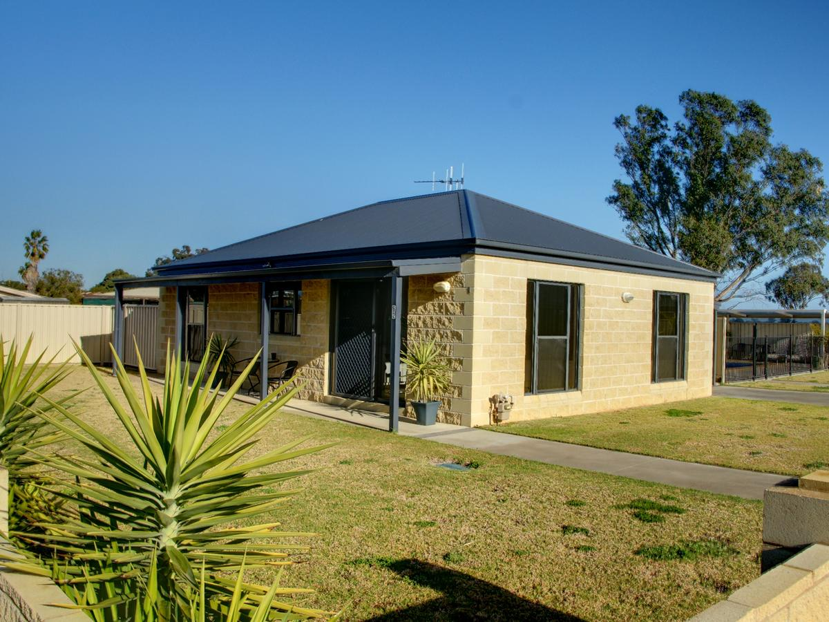 DBJ Holiday Units - Accommodation Find