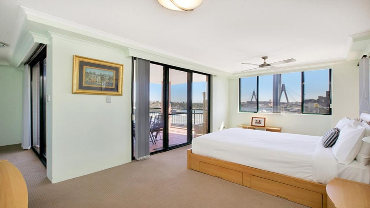 Darling Harbor Apartment - Accommodation Find