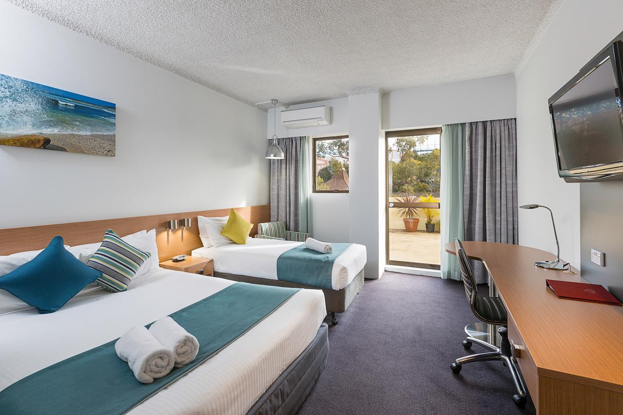 Metro Hotel Miranda - Accommodation Find