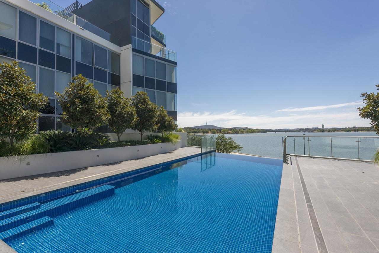 Accommodate Canberra - Lakefront - Accommodation Find