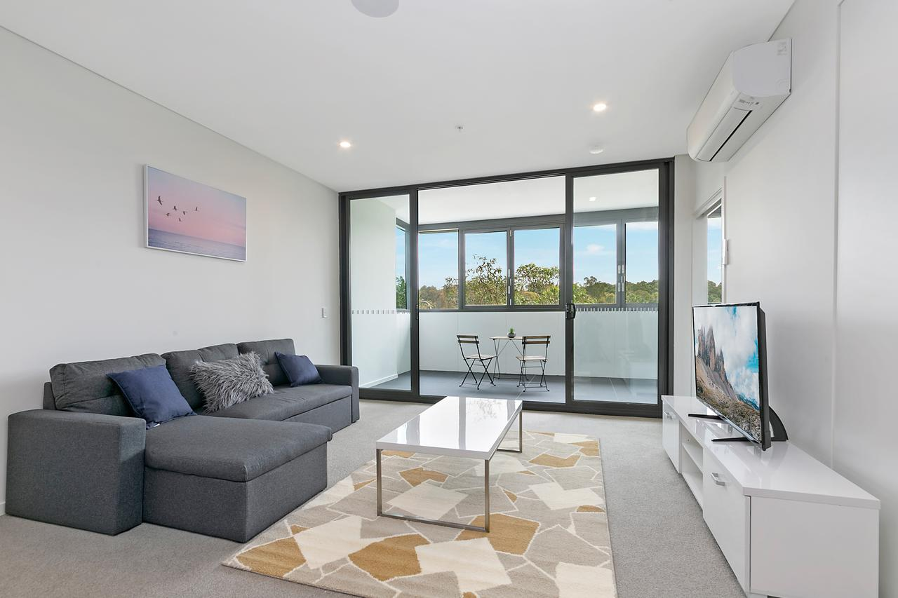 Stylish and Neat two bed apartment in Wentworth Point - Accommodation Find