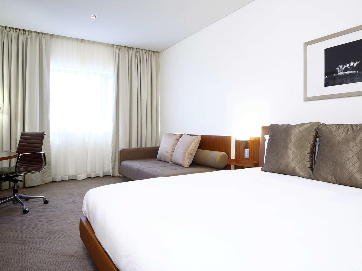 Novotel Canberra - Accommodation Find