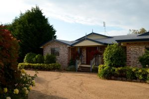 Brick Creek House - Accommodation Find